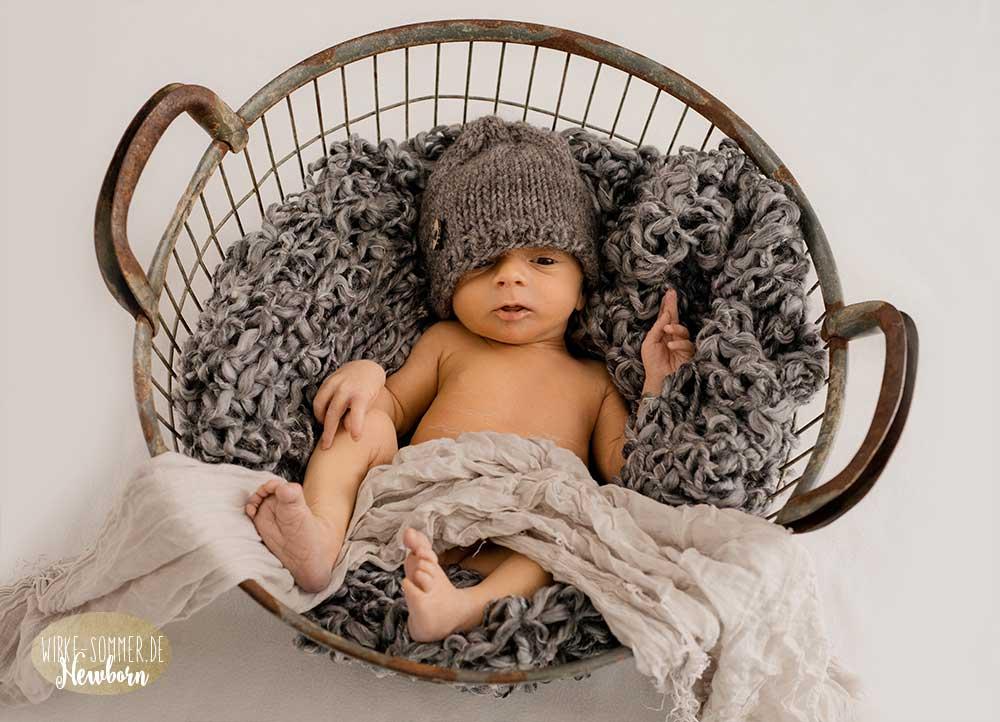 Henry 6 Tage | Babyfotografin Wölfersheim