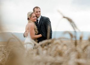 Brautpaar in Kornfeld